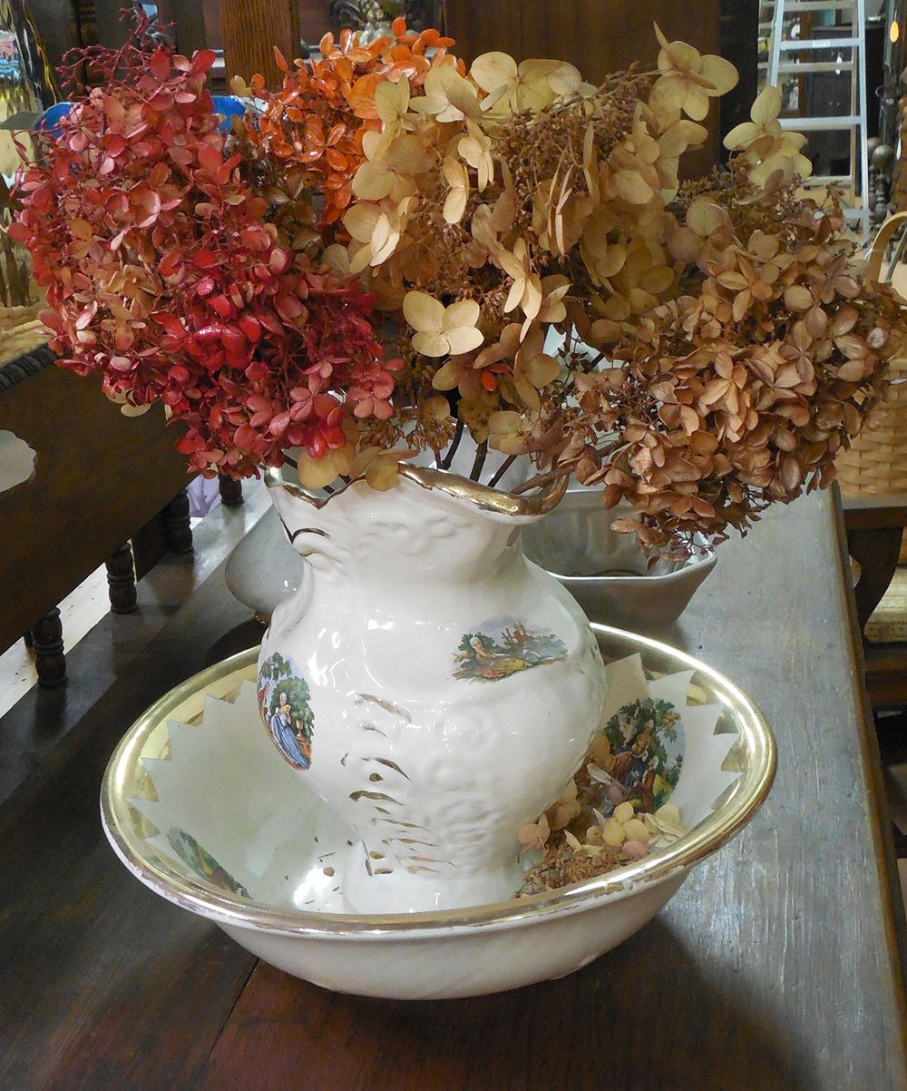 dried-hydrangeas-in-ceramic-bowl-compressor.jpg